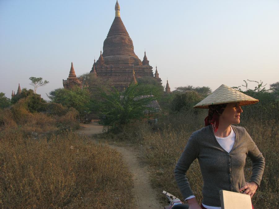Anna scouting near the Soe-min-gyi Pagoda.